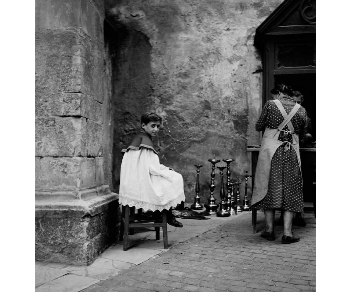 Merano, Italy, 1946, Baryta print, 40 x 40 cm, Edition 8, signed and stamped by the estate // © Werner Bischof / Magnum Photos // Courtesy Bildhalle