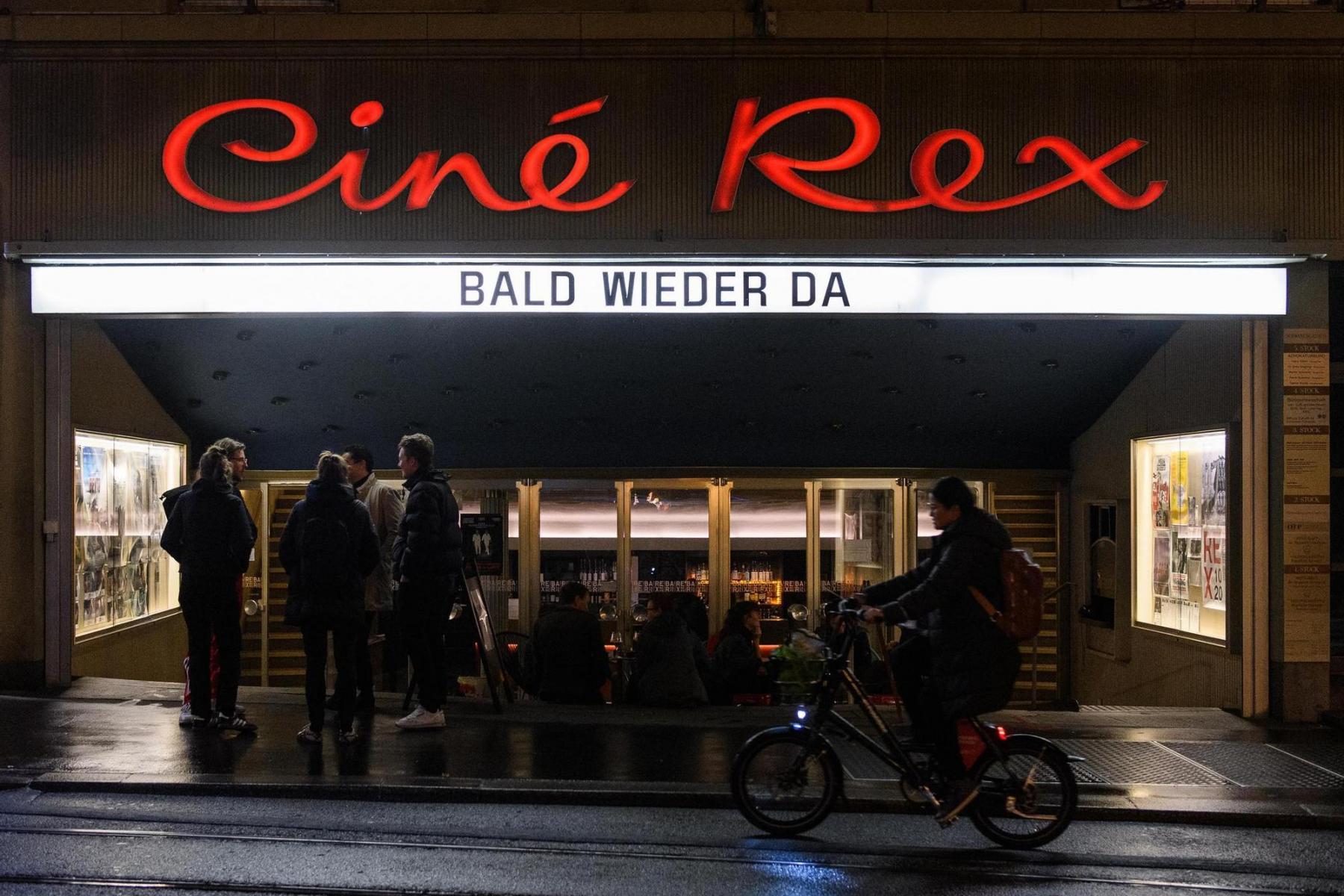 Vorerst letzte Vorführung im Kino Rex, nachdem am 23.10.2020 die Kantonsregierung die Schliessung von Kinos, Bars und Clubs im Kanton Bern verfügt hat. Foto: Raphael Moser